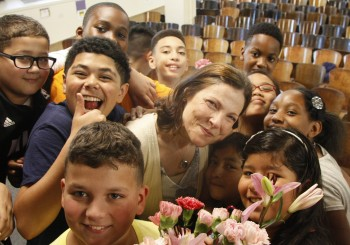 Elementary School Choir Sings 'I'm Gonna Love You Through It' to Teacher With Cancer: Watch