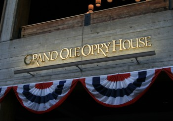 Grand_Ole_Opry_House_(entrance_sign)